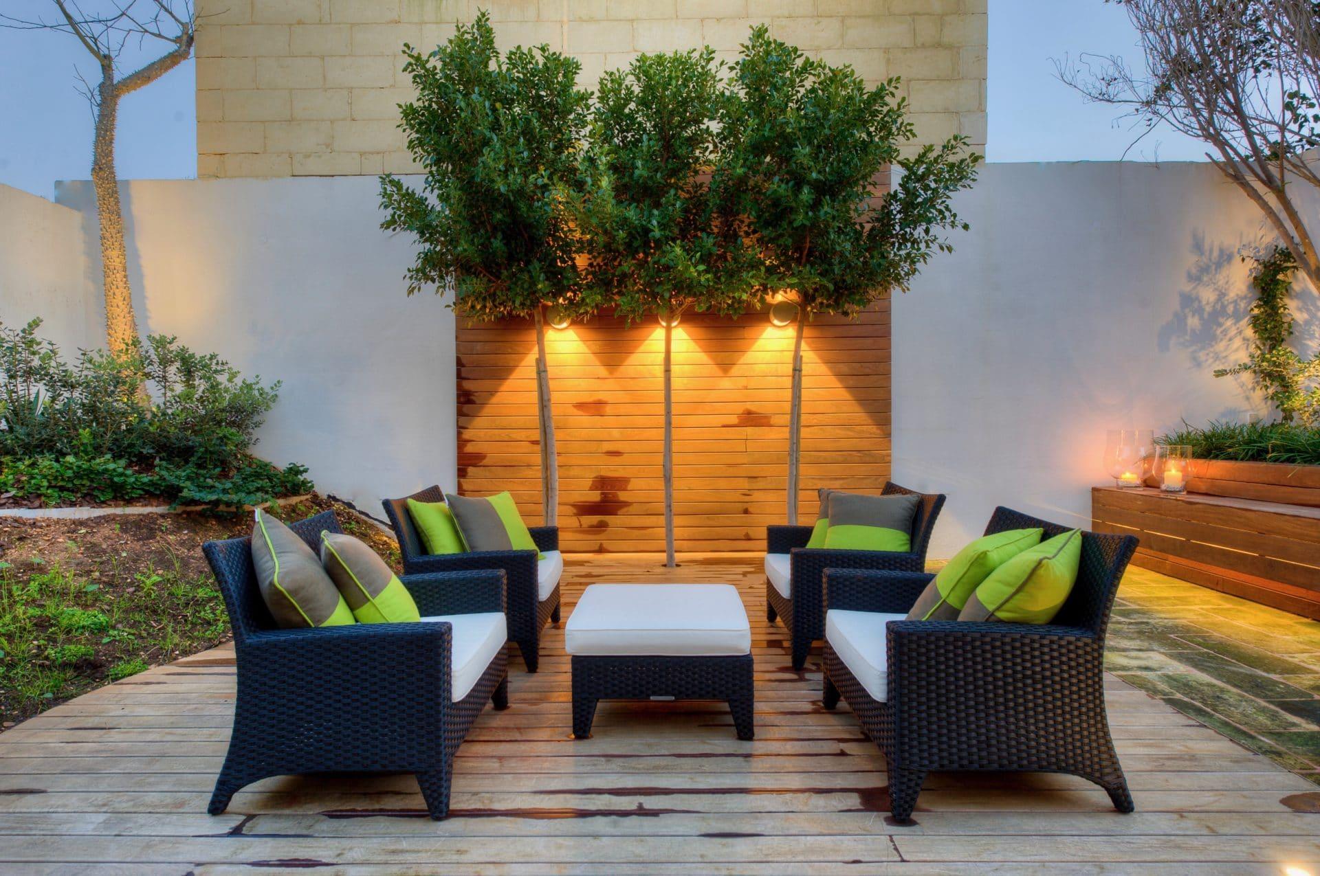Garden – decking, sitting area, feature lighting