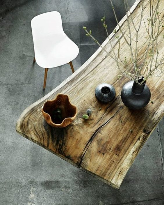 Wabi-sabi - rustic wooden desk