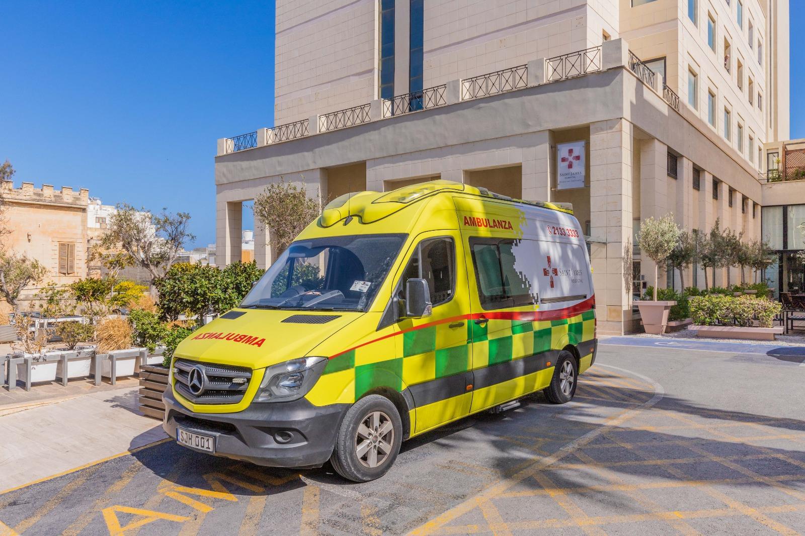 Photoshop Ambulance